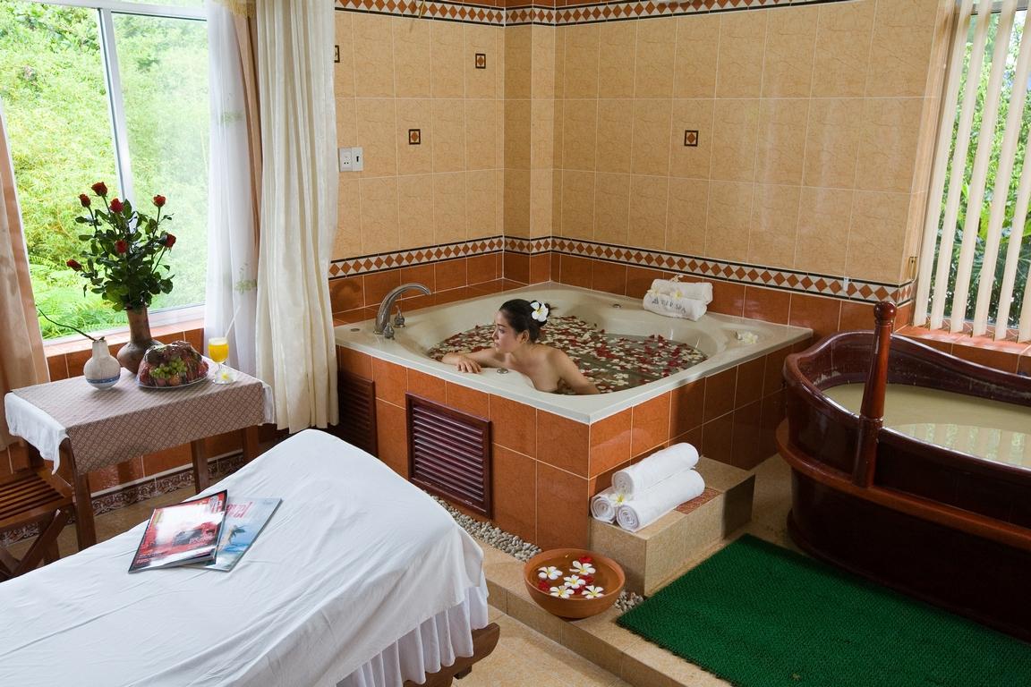 Heiße Quelle und Schlammbad rundreise nha trang vietnam